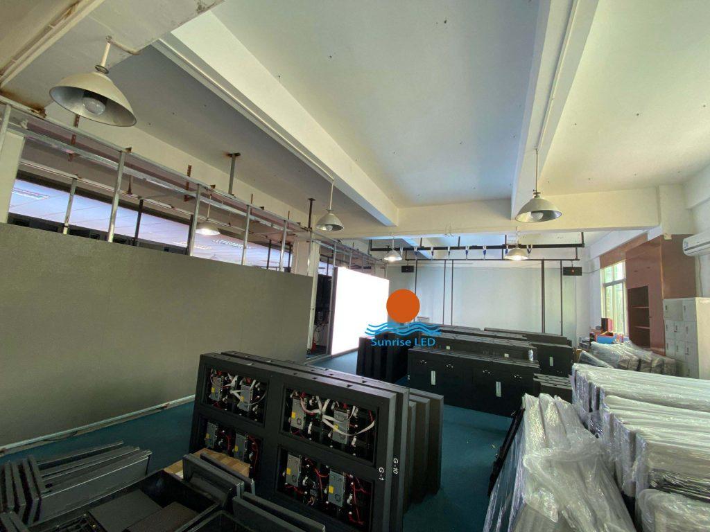 LED trailer screens
